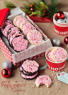 Easy Peppermint Buttercream Cake Mix Cookies – Christmas Cookies – Peppermint Buttercream Cookies Pin It To Save It! Cake Mix Cookies, Cupcakes, Holiday Cookies, Holiday Treats, Cookies Et Biscuits, Holiday Recipes, Baking Cookies, Sandwich Cookies, Christmas Recipes