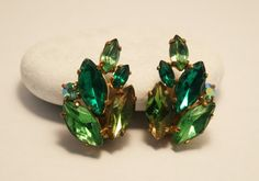 Vintage green  rhinestone earrings. Green by chicvintageboutique