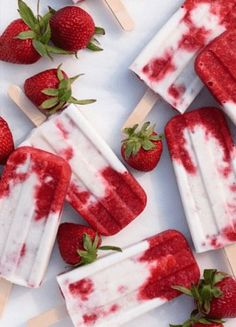 The weather's getting warmer, which means one thing —it's popsicle season. Boy are we ready for these Roasted Strawberries and Cream Popsicles. Photography: Fork Knife Swoon aesthetic junk red Roasted Strawberries and Cream Popsicles Roasted Strawberries, Strawberries And Cream, Frozen Strawberries, Frozen Desserts, Frozen Treats, Summer Desserts, Summer Recipes, Frozen Cookies, Frozen Cake