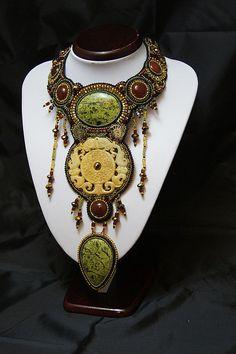 колье `Гармония` коллекция `Амазонки`. Гармония-нифма. которая была влюблена в Ареса. бога войны , и она родила амазонок)   продано, возможно изготовление колье по мотивам этой работы.
