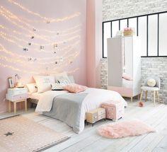 Deco chambre petite fille chambre rose poudré déco chambre rose gold idée  décoration guirlande lumineuse Chambres