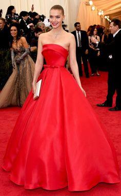 Arizona Muse with a gorgeous Zac Posen dress!! #MetGala