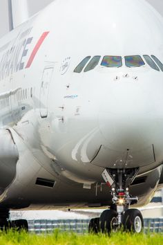 L'A380 Commercial Plane, Commercial Aircraft, Airplane Interior, Planes, Plane Photos, Luxury Jets, Airplane Photography, Passenger Aircraft, Best Flights