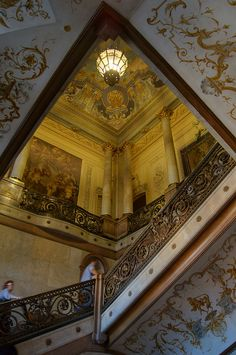 Detail of the stairways of the Palace Foz, Lisboa Portugal. Beautiful Architecture, Beautiful Buildings, Architecture Details, Visit Portugal, Spain And Portugal, Grand Staircase, Stairway To Heaven, Historical Architecture, Stairways