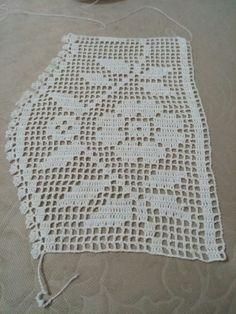 This Pin was discovered by Müz Russian Crochet, Crochet Art, Love Crochet, Crochet Doilies, Baby Knitting Patterns, Crochet Patterns, Crochet Boarders, Booties Crochet, Fillet Crochet