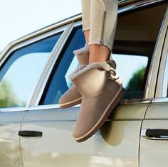 UGG Boots, Slippers  Shoes | UGG Outlet Online: Comfort, Fashion and Convenience Wrapped Up in You...