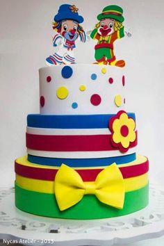 inspiração Clown Party, Circus Theme Party, Prince Birthday Party, Birthday Cake, Bolo Fake Eva, Bolo Fack, Circus Cakes, Fake Cake, Bday Girl