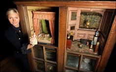 A doll's house decorated by the novelist Charlotte Bronte is to go on sale next year. Old Dolls, Antique Dolls, Dollhouse Miniatures, Dollhouse Interiors, Haunted Dollhouse, Bronte Sisters, Charlotte Bronte, Vintage Barbie, Vintage Dolls
