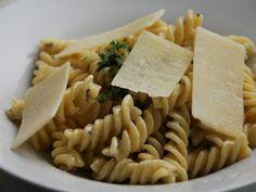 Receta Plato : Fusilli a la gorgonzola con nata por Taconessintapas