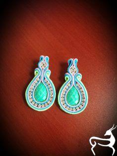 Purchase info gazellasdesign@gmail.com or or visit www.poshmark.com/closet/gazellasdesign #soutache #earrings #elegantearrings #elegance #fashionpolis #texasfashion #madeforyou #handmade #handmadeset #accesoriesshop #custommade #jewelry #texas #houstongram #getyours #trendingnow #jewelryset #onlineshopping #onlinestore #shophouston @gazellasdesign