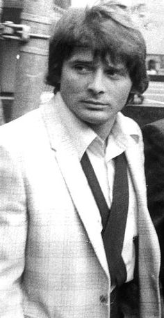 Salvatore 'Sammy the Bull' Gravano when he was starting out a degenerate killer. And a freakin RAT 🐀 🔫😠😁 Italian Gangster, Real Gangster, Mafia Gangster, Mob Wives, Mafia Families, Al Capone, All I Ever Wanted, Tough Guy, Thug Life