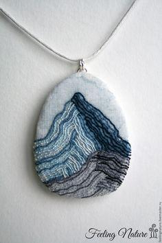 "Embroidered pendant | Купить Кулон вышитый ""Одинокая скала"", бохо - красивый кулон, оригинальный кулон, необычный кулон"