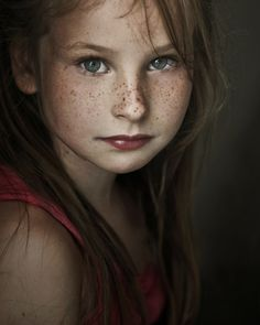 I have a soft place in my heart for little girls with freckles... reminds me of summer days of my childhood.