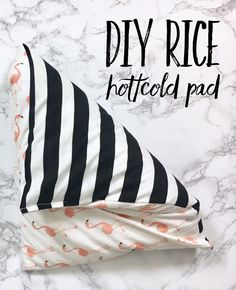 Whether it's aroma therapy, relieving aching muscles and cramps, warming your hands and feet, or just relaxing! This DIY Rice Heating Pad is heaven!