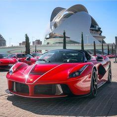 La Ferrari https://www.amazon.co.uk/Sports-Kinesiology-Tape-Performance-Waterproof/dp/B06VWMGCCQ/ref=sr_1_1_a_it?ie=UTF8&qid=1495631311&sr=8-1&keywords=kingseye