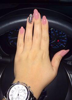 Sally Hansen (Pink Pong) Almond nails 2014