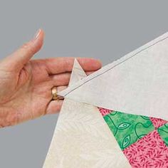 Mc Calls tutorial on how to set blocks on point I love making diagonal-type quilts! Quilting Tips, Patchwork Quilting, Quilting Tutorials, Machine Quilting, Quilting Projects, Quilting Designs, Sewing Projects, Sewing Tips, Sewing Tutorials