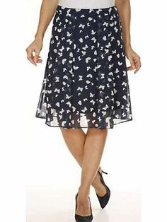Heine Lined Skirt A beautiful, on trend, flared skirt in an eye-catching butterfly print with a back zip fastening. Fully lined, it is perfect for any occasion. Heine Skirt Features: Washable 100% Polyester Lining: 100 http://www.comparestoreprices.co.uk/skirts/heine-lined-skirt.asp