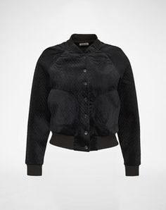Velvet Bombejacket: 'Nmasa' from Noisy May. Click on the picture to get the product ♥︎