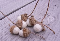 I am obsessed with acorns...these are so darling!  etsy! stitchcrafts