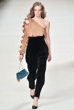Chloé Fall 2009 Ready-to-Wear Collection Photos - Vogue