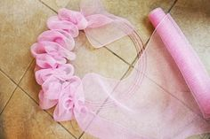 This is how to make a mesh wreath