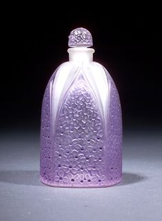 LALIQUE Perfume bottle
