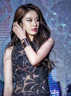 T Ara Jiyeon, Korean Star, Korean Beauty, Kpop Girls, Chinese, Park, Parks, Chinese Language