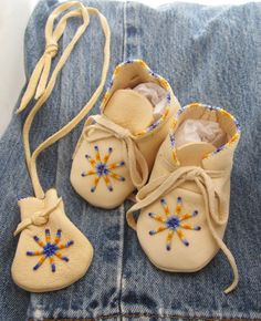 Native made beaded moccasins for baby ♥ by AuthenticNativeMade, $48.00