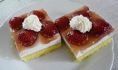 Jahodovo - tvarohové řezy Waffles, Cheesecake, Breakfast, Food, Morning Coffee, Cheesecakes, Essen, Waffle, Meals