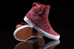 This new Chad Muska signature Skytop is a simple, solid burgundy color way constructed from a unique and durable washed canvas.
