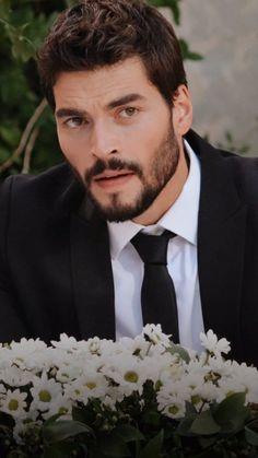 Turkish Men, Turkish Beauty, Turkish Actors, Cute Relationship Goals, Cute Relationships, Handsome Actors, Handsome Boys, Movie Couples, Cute Couples