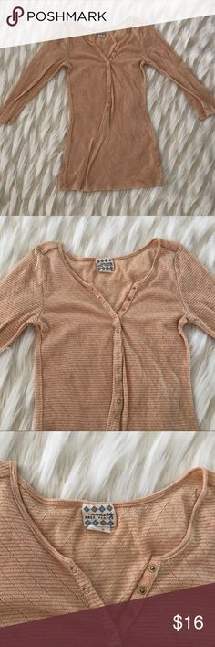 """Free People top Intimately Free People sz S light peach gold lurex snap on lace knit blouse top  Measurements, while lying flat: shoulder to hem-25.5"""" armpit to armpit-15"""" Free People Tops Tees - Short Sleeve"""