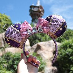 Handmade Rapunzel inspired ears perfect for any Disney trip! All of my ears are handmade by myself. Please note I have no affiliation with Disney, and all products are my own design. Little Mermaid Minnie Ears, The Little Mermaid, Disney World Outfits, Disney Fashion, Trips To Disneyland Paris, Disney Trips, Disney Rapunzel, Disney Diy, Disney Mickey Ears