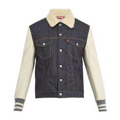 Junya Watanabe X Levi's contrast-sleeve denim jacket (3.675 BRL) ❤ liked on Polyvore featuring men's fashion, men's clothing, men's outerwear, men's jackets, denim, mens denim jacket, mens slim jacket, mens slim fit denim jacket and mens slim fit jackets