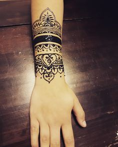 #Henna #neha_mehandi #temporäres_Tattoo #temporary_tattoo #selfmade #henna_by_rinkitoku #arm #black