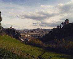Voce del verbo: scollinare!  #brisighella #collina #turismoer #vscoitaly #intothewind by ma.tilde