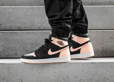 With textured leather in the combination of black and pink, has one more Air Jordan 1 ch . Jordan Retro 1, Jordan 1 Black, Zapatos Nike Jordan, Air Jordan Sneakers, Sneakers Nike, Purple Sneakers, Jordan Rose, Nike Air, Nike Basketball Shoes