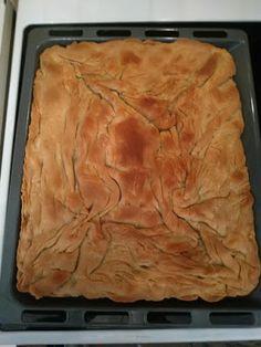 Πρασόπιτα με φέτα!! ~ ΜΑΓΕΙΡΙΚΗ ΚΑΙ ΣΥΝΤΑΓΕΣ 2 Savory Tart, Savoury Pies, Greek Pastries, Spanakopita, Cooking, Ethnic Recipes, Desserts, Cakes, Food