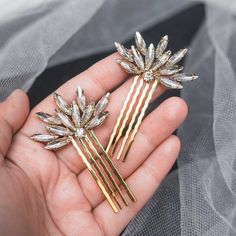 Creating the new photos for golden variation my favourite star pins. I want to say thanks to Corrine for this order :) Headpiece Wedding, Bridal Headpieces, Hair Wedding, Wedding Dress, Hair Jewelry, Bridal Jewelry, The Silver Star, Golden Star, Pelo Vintage