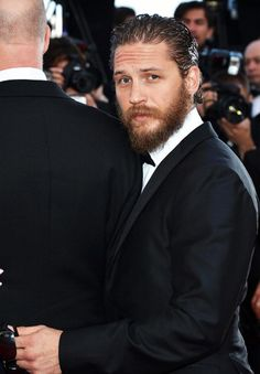 Lawless-premiere-red-carpet-Cannes-2012-tom-hardy-30897317-667-960.jpg (667×960)
