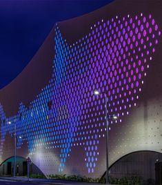 Facade Lighting Design Art Installations 61 Ideas For 2019 Architectural Lighting Design, Modern Lighting Design, Glass Design, Design Art, Led, Mall Facade, Facade Lighting, Glass Facades, Light Installation