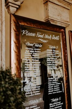 Using a mirror for your seating chart is such a cute idea on how to organize everyone on wedding day! So pretty! | Villa Siena | Kylee Patterson Photography | #Villasiena #weddingvenue #gilbertarizona #arizonaweddings #arizonaweddingvenue #mirror #weddingdecor #seatingchart #chooseyourseat #findyourseat Intimate Wedding Ceremony, Intimate Weddings, Wedding Venues, Wedding Day, Reception Party, Party Venues, Event Venues, Mirror Seating Chart, Seating Charts