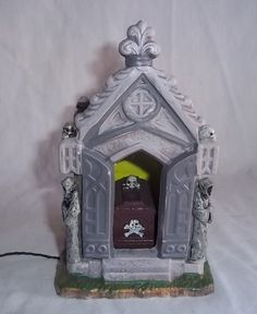 Lemax Spooky Town Haunted Crypt Halloween Village Battery Operated