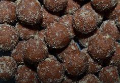 Mlsná máma : Čokoládové pohankové kuličky Christmas Cookies, Muffins, Protein, Low Carb, Keto, Chocolate, Breakfast, Desserts, Recipes
