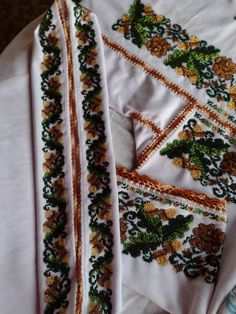 Floral Tie, Costumes, Traditional, Embroidery, Fashion, Moda, Needlepoint, Dress Up Clothes, Fashion Styles