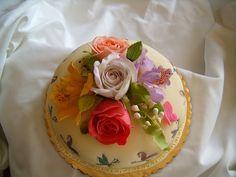 CAKE DE DIA DE LAS MADRES by Tamiko's Sugar Design, via Flickr
