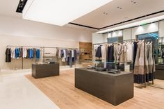 http://retaildesignblog.net/2016/04/18/peserico-store-at-crocus-by-cp-architetti-moscow-russia/