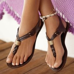 Zapatos de mujer - Womens Shoes - Adorable braided Leather sandals