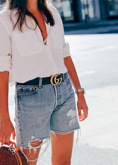 9 Different Ways To Wear Denim | CHRONICLES OF HER http://chroniclesofher.com/how-to/9-different-ways-to-wear-denim/?utm_campaign=coschedule&utm_source=pinterest&utm_medium=CHRONICLES%20OF%20HER%20-%20Fashion%20and%20Beauty%20Daily&utm_content=9%20Different%20Ways%20To%20Wear%20Denim%20%7C%20CHRONICLES%20OF%20HER